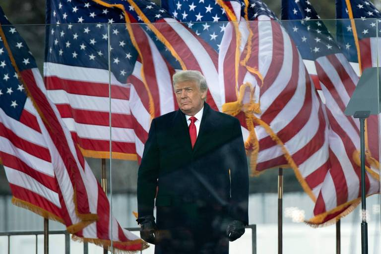 O presidente dos EUA, Donald Trump, antes de discursar para apoiadores em Washington