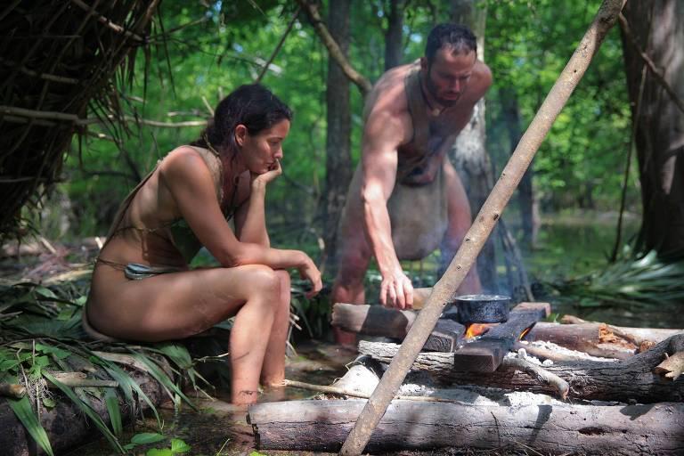 Participantes em cena de Largados e Pelados