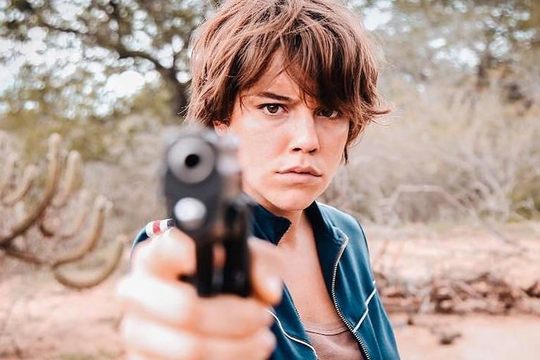 """Alice Wegmann em cena de """"Onde Nascem os Fortes"""""""