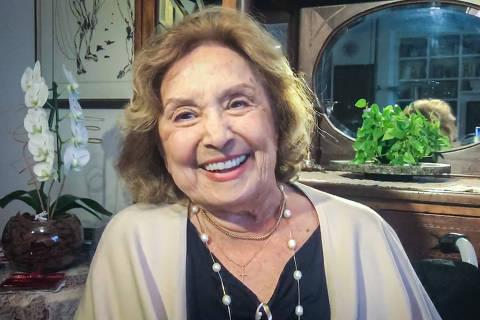 Eva Wilma Riefle Buckup Zarattini é uma premiada atriz e bailarina brasileira. Protagonizou diversas novelas e programas da TV Tupi, até que na década de 80 transferiu-se para a Rede Globo, tornando-se uma das principais artistas da emissora. Credito Globo / Divulgação