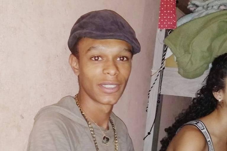 O poeta Flávio Dias, que sofria de depressão, cometeu suicídio em outubro de 2020, em Cidade Tiradentes (SP)
