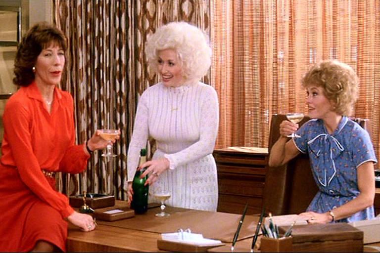 Lily Tomlin, Dolly Parton e Jane Fonda contracenam em 'Como Eliminar seu Chefe', de 1980