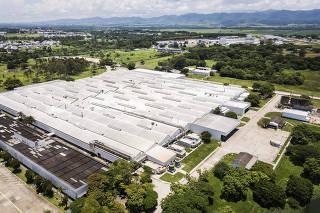 Fehamento da FORD: Vista geral da fabrica da FORD  (que produz motores e transmissao) na cidade de Taubate