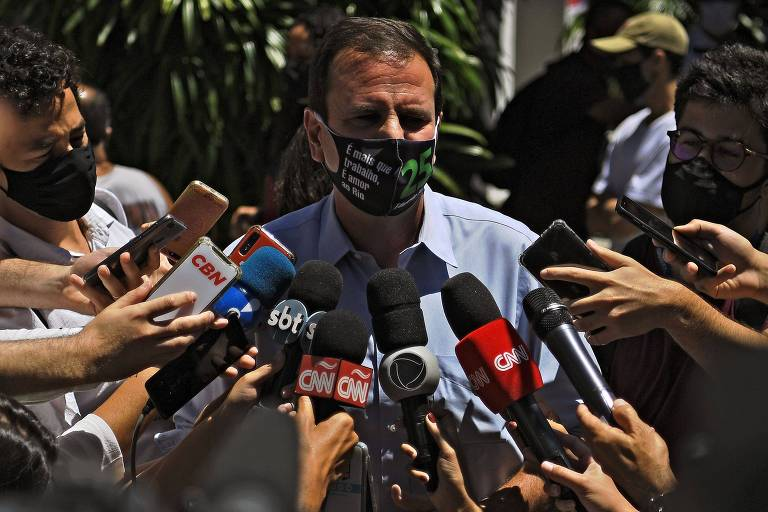 Defesa de Paes usa tese de Flávio Bolsonaro e pede foro especial em ações penais