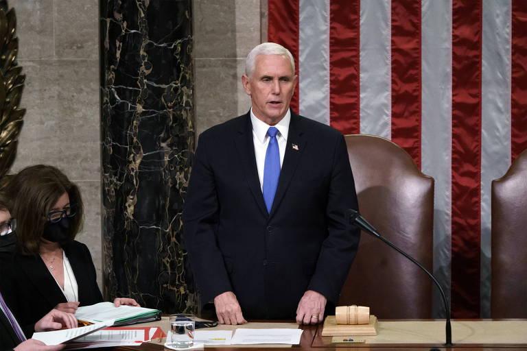 Vice-presidente dos EUA se recusa a invocar 25ª emenda para remover Trump