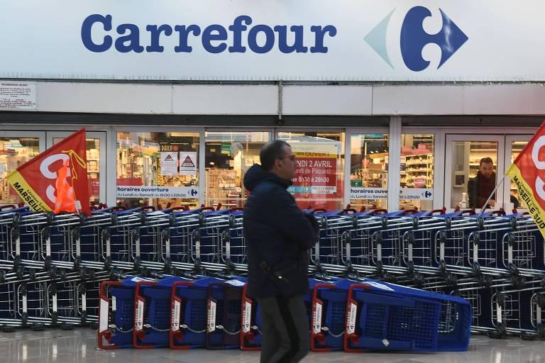 Proposta de fusão de matriz francesa faz Carrefour recuperar perdas após morte de Beto Freitas