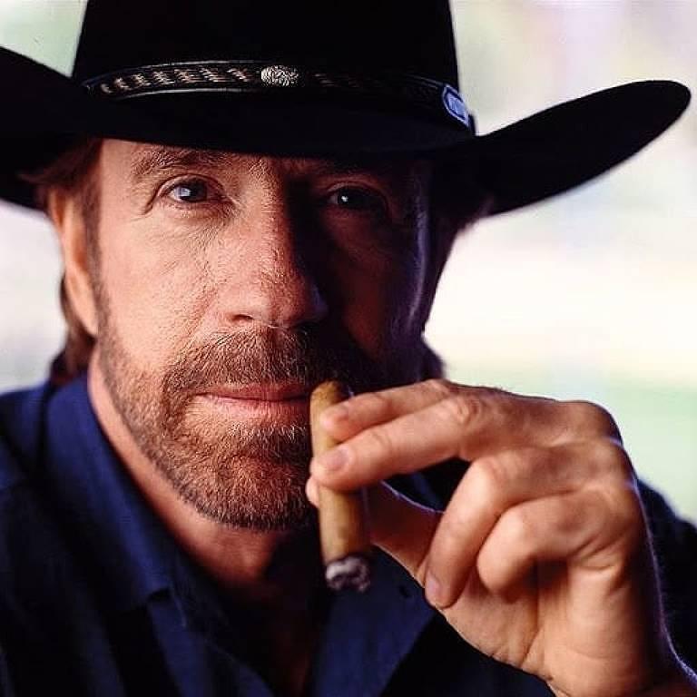 Imagens do ator Chuck Norris