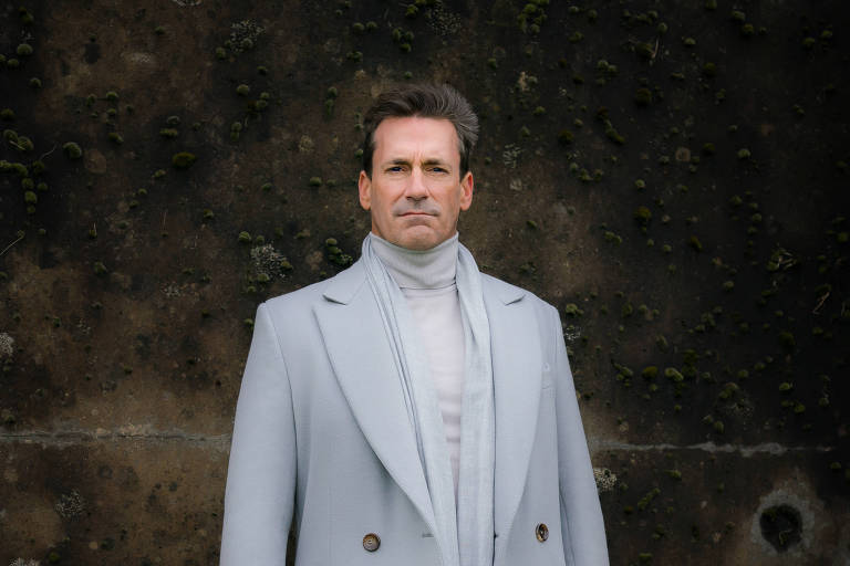 "Archangel Gabriel (Jon Hamm), personagem da série ""Good Omens"""