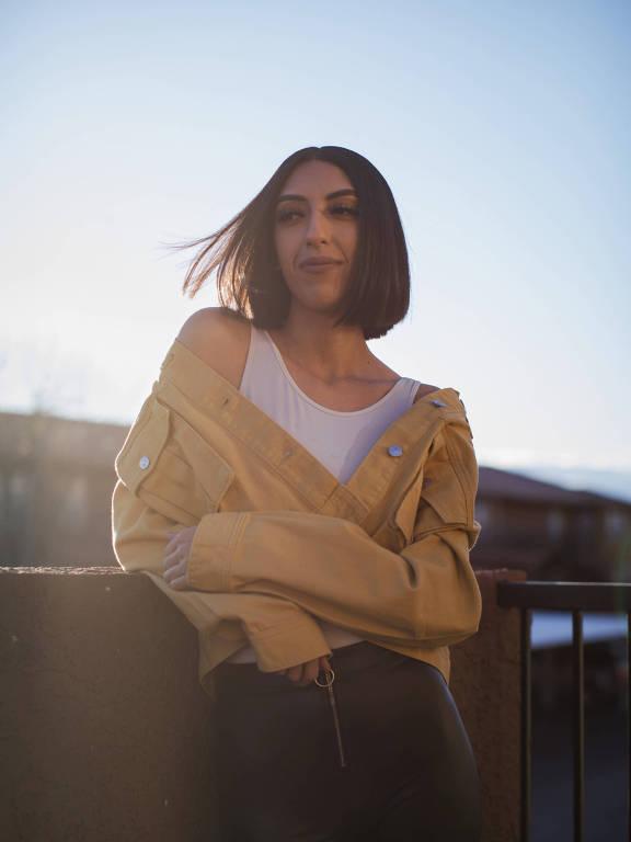 Savannah Benavidez, que se tornou uma produtora de conteúdo na plataforma OnlyFans após ficar desempregada, em Albuquerque, no estado do Novo México