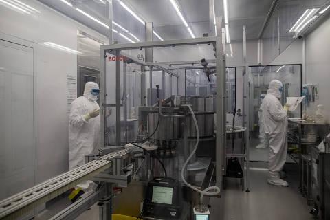 Saúde cobra do Butantan entrega imediata de 6 milhões de doses da vacina contra Covid-19