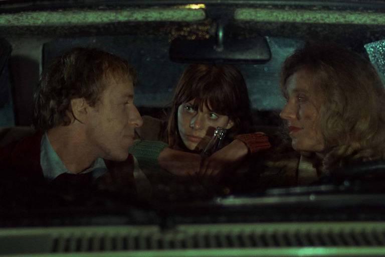 """Nastassja Kinski (ao centro) em cena de """"Movimento em Falso"""" (1975), de Wim Wenders"""