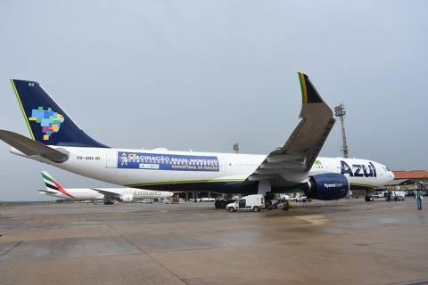 Após fracasso de busca de vacina na Índia, governo usa avião para levar oxigênio para Manaus