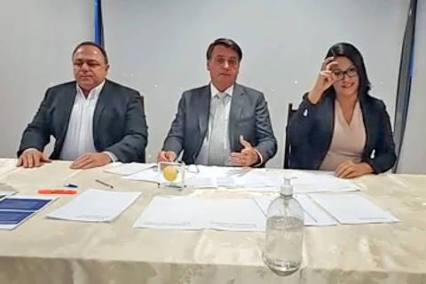 'Nós fizemos a nossa parte', diz Bolsonaro em meio à crise de falta de oxigênio em Manaus