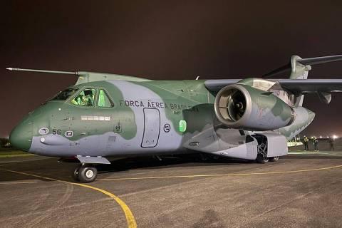 Em meio à crise, Brasil envia maior avião de carga para treino militar nos EUA
