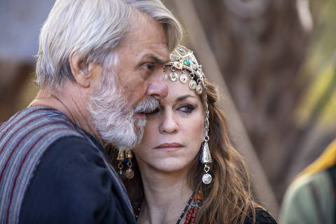 Quinta Fase - A fase é estrelada por Abraão (Zécarlos Machado) e Sarai (Adriana Garambone)