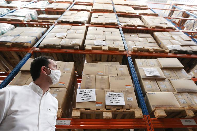 Municípios paulistas querem vacinação contra coronavírus sem interrupções