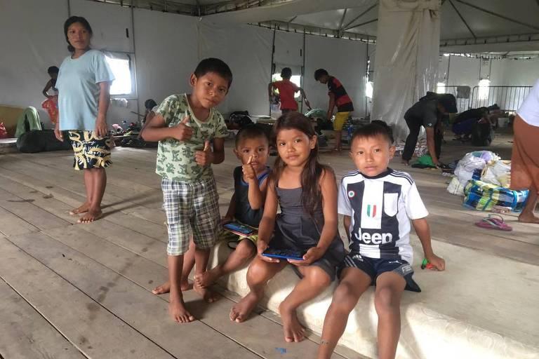 Crianças venezuelanas em abrigo público na cidade de Manaus