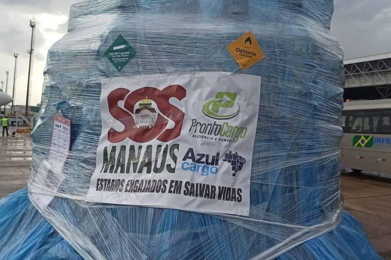 40 cilindros de oxigênio foram descarregados no aeroporto de Manaus
