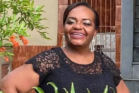 Primeira a ser vacinada é mulher, negra e enfermeira do Emílio Ribas em SP