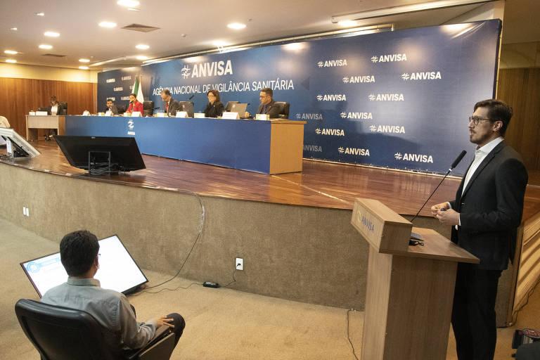 Anvisa discute uso emergencial de vacinas contra a Covid no Brasil