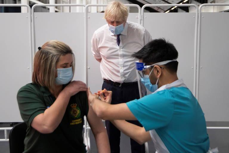 Boris Johnson e a vacinação contra a Covid-19