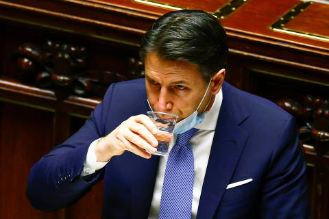 Italian Prime Minister Giuseppe Conte faces a confidence vote at the lower house of parliament after former PM Matteo Renzi pulled his party out of government, in Rome, Italy, January 18, 2021. REUTERS/Guglielmo Mangiapane/Pool ORG XMIT: GDN