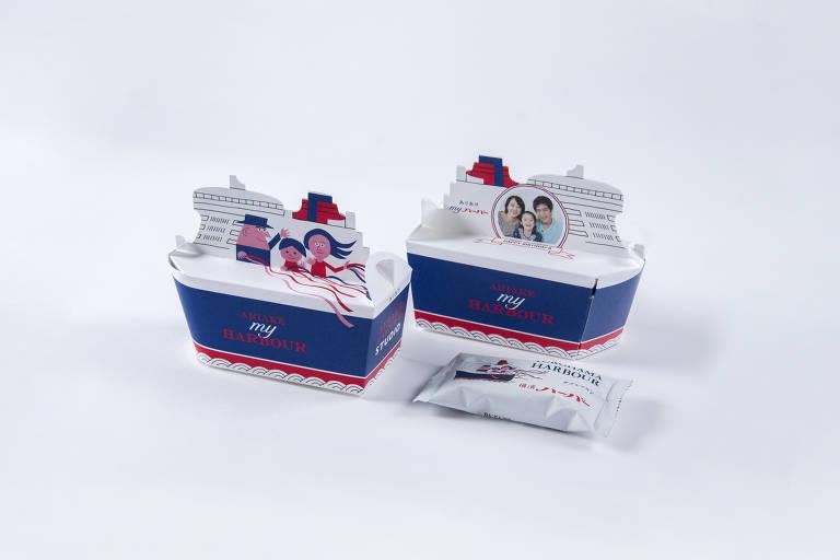 Embalagem de biscoito exibida na exposição 'Embalagens: Designs Contemporâneos do Japão'