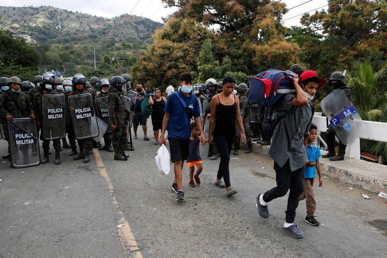 Polícia dispersa caravana de imigrantes na Guatemala