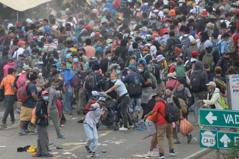 Guatemala usa gás para dispersar imigrantes hondurenhos em direção aos EUA
