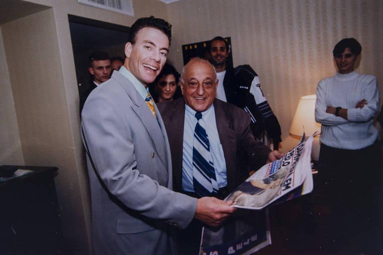 Issa e Jean-Claude Van Damme, em 1995, no lançamento de 'Morte Súbita'