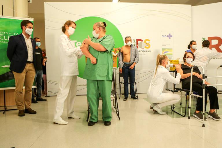 Vacinação, Covid-19 - Cerimônia no Hospital de Clínicas de Porto Alegre que marca o inicio da vacinação contra o COVID-19 (coronavírus) no estado do Rio Grande do Sul.