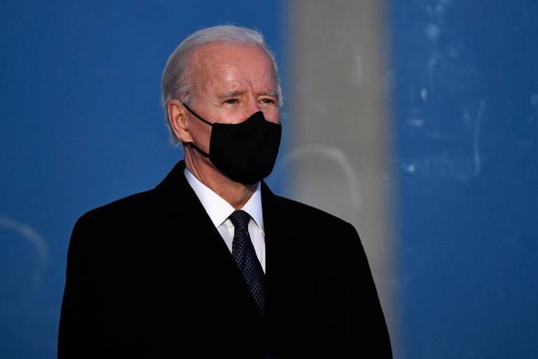 O presidente eleito dos EUA, Joe Biden, participa de vigília em homenagem a vítimas da Covid-19