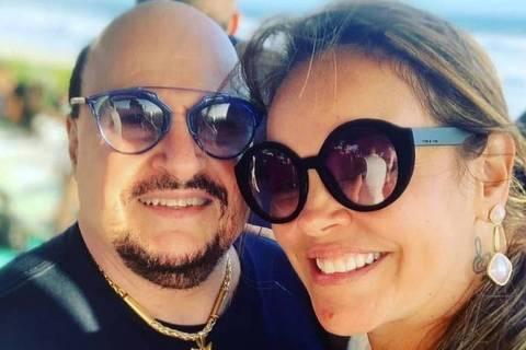 Paulinho, vocalista do Roupa Nova, e Elaine Soares Bastos, que reivindica participação no inventário do músico