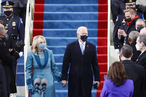 Biden toma posse como 46º presidente dos EUA e defende 'verdades sobre mentiras'