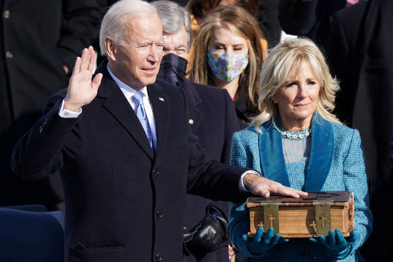 Joe Biden faz juramento como 46º presidente dos EUA