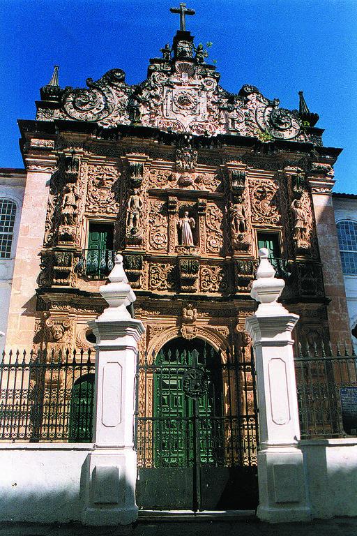 fachada de igreja barroca