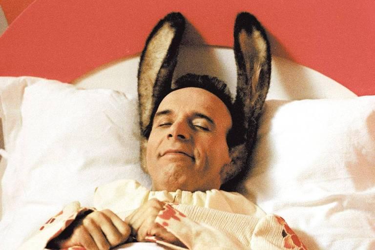"""O ator italiano Roberto Benigni em cena do filme """"Pinóquio"""", de 2002"""
