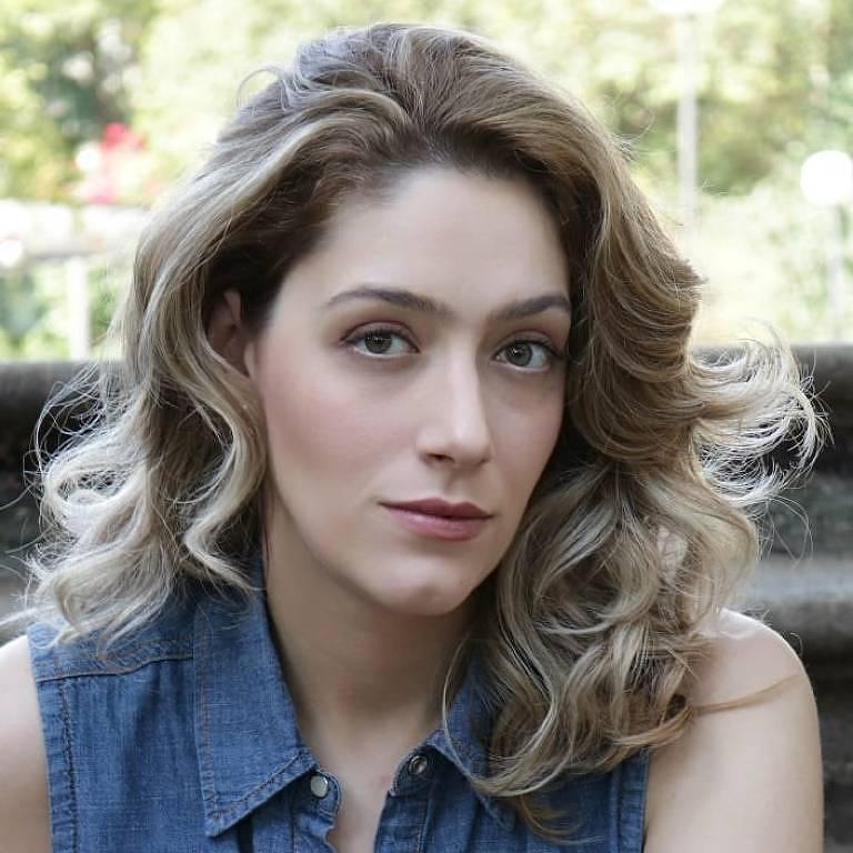Imagens da atriz Mariana Gallindo
