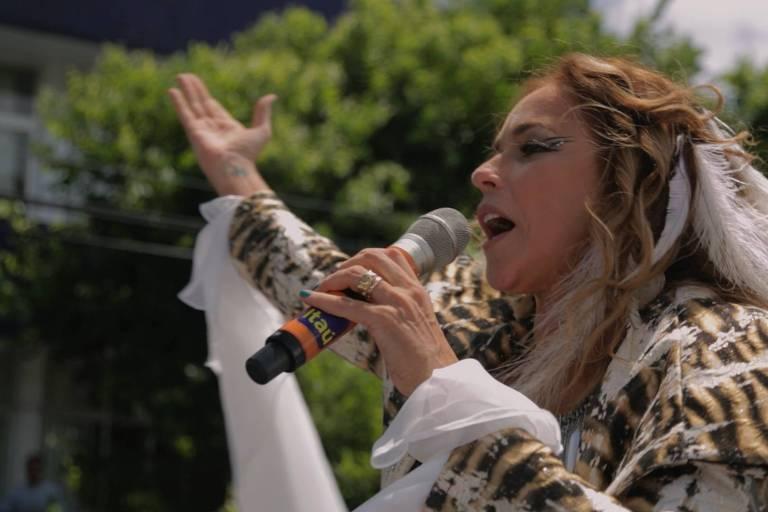 Daniela Mercury em cena de 'Axe: Canto do Povo de Algum Lugar'