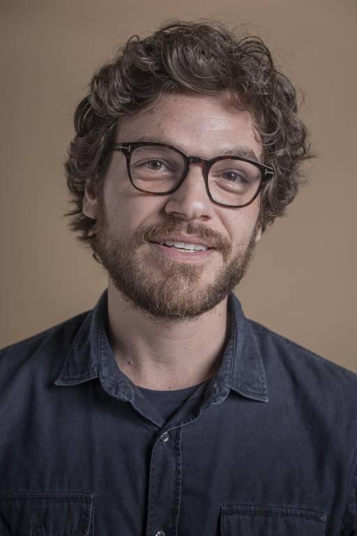 Imagens do ator Emilio Dantas