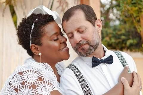 Cacau Protásio com o marido, Janderson Pires