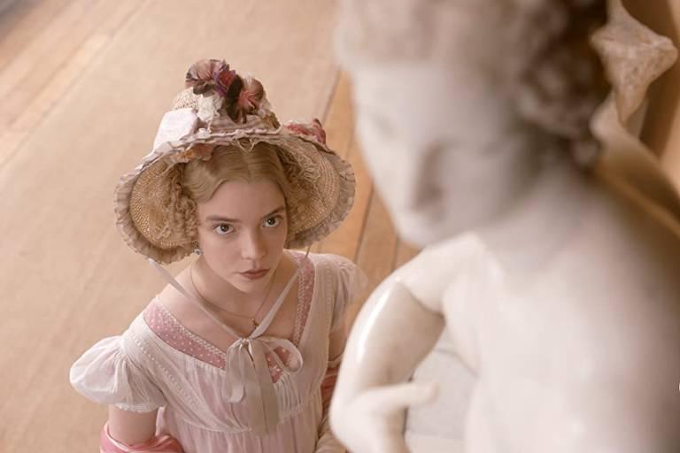 A atriz Anya Taylor-Joy no filme 'Emma.', de 2020
