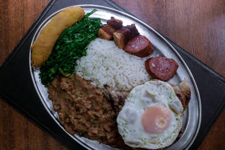 Virado à paulista do restaurante Salada Record, no centro de São Paulo