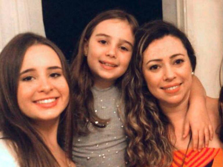 Renata Azambuja Capello, 39 anos, professora na rede municipal, pretende reutilizar materiais do ano passado para as filhas Gabriela, 14, e Larissa, 9