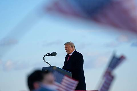 (FILES) In this file photo taken on January 20, 2021, utgoing US President Donald Trump addresses guests at Joint Base Andrews in Maryland. - Donald Trump will face an impeachment trial in the Senate over the ransacking of the US Capitol after the impeachment article against the former president is sent to the chamber on January 25, 2021, its Democratic leader Chuck Schumer announced. (Photo by ALEX EDELMAN / AFP)