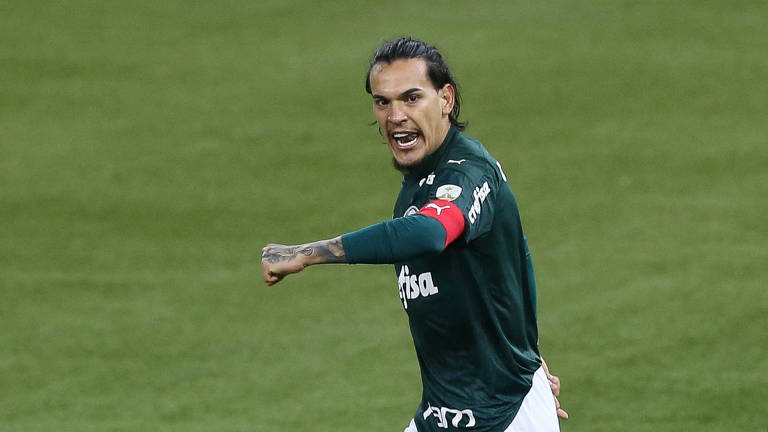 O jogador Gustavo Gómez, do Palmeiras, comemora gol contra o time argentino Tigre, pela Libertadores