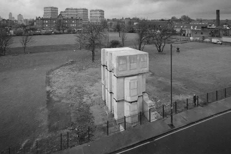 "Registro da obra ""House"" (1993), da escultora britânica Rachel Whiteread"