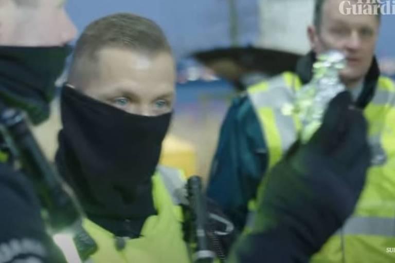 Guardas holandeses confiscam sanduíches de presunto vindos do Reino Unido