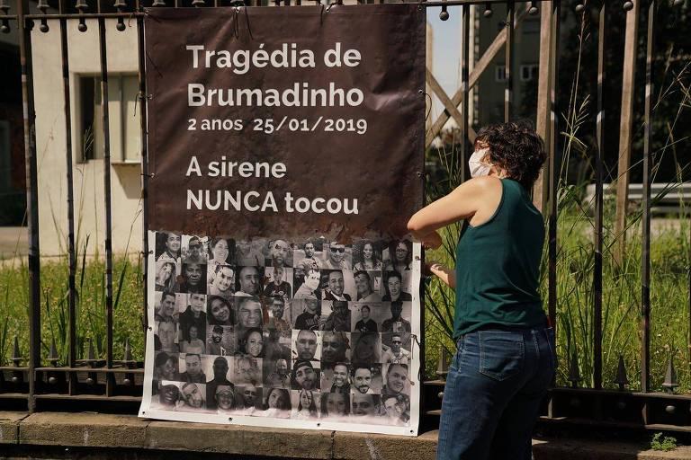 Faixa lembra tragédia em Brumadinho