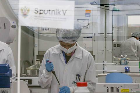 Governadores do Nordeste voltam a conversar com fundo russo que financia a Sputnik V